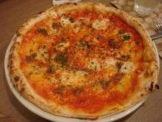 ニンニクとアンチョビのピザ