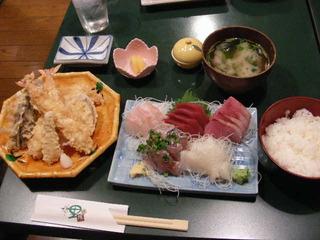 天ぷらと刺身の定食