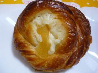デニッシュパン(ヨーグルトリンゴ)