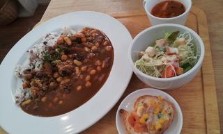 ランチメニュー 5穀米の豆カレー