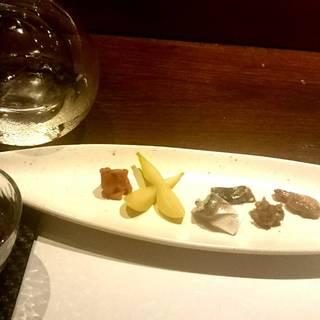 土鍋で炊いた特A秋田こまち だしの香りと六種の肴で