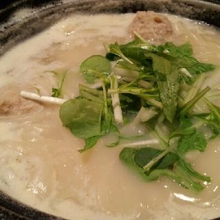 鶏つくねと塩麹のコラーゲン茶鍋