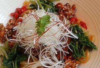 焼鴨と野菜の冷麺