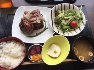 黒酢とバルサミコ酢のとろける酢豚御膳