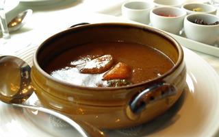 国産牛とこだわりの野菜の土鍋カレー