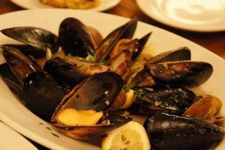 ムール貝と浅利のワイン蒸し