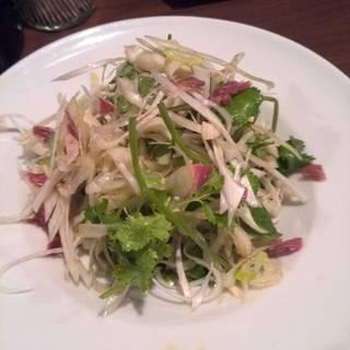 金華ハムとパクチーのサラダ
