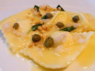 白身魚とリコッタのラヴィオリ
