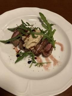 ハンガリー産 鴨肉のロースト 赤ワインソース