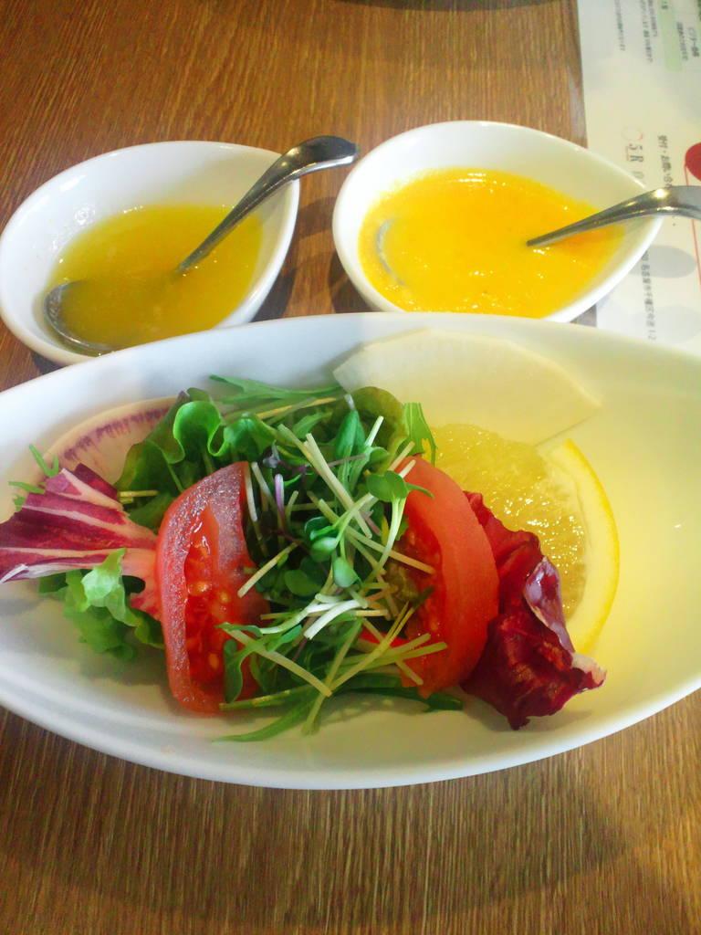 旬の野菜サラダ