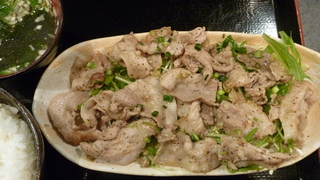 豚バラ黒胡椒定食