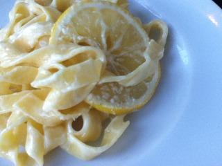 檸檬クリームのパスタ