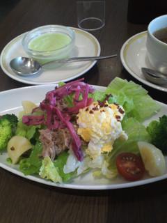 ツナとたまごのサラダ