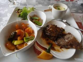 肉と魚のランチセット