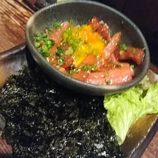 マグロと焼き茄子のユッケ仕立て    韓国海苔巻き