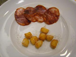 イベリコ豚の辛いサラミ&揚げニョッキ