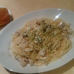 スモーク若鶏と竹の子のクリームソーススパゲティ