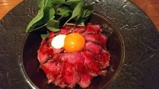 米沢牛のローストビーフ丼