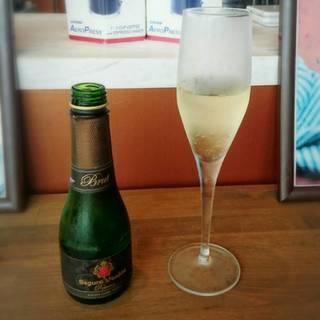 スペイン産CAVA(スパークリングワイングラス)