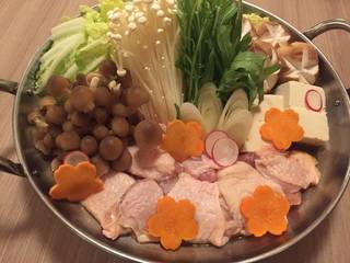 地鶏と季節野菜の水炊き鍋
