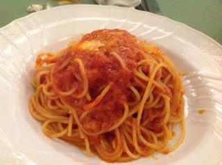 モッツアレラチーズのトマトソーススパゲッティ