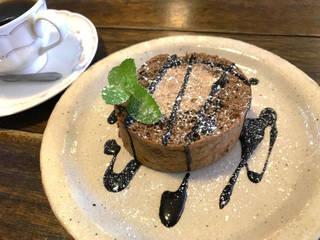 本日のケーキ:チョコロールケーキ