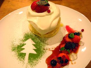 真っ赤なベリーのクリスマスパンケーキ