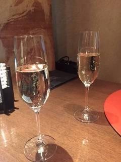 乾杯のスパークリンワイン