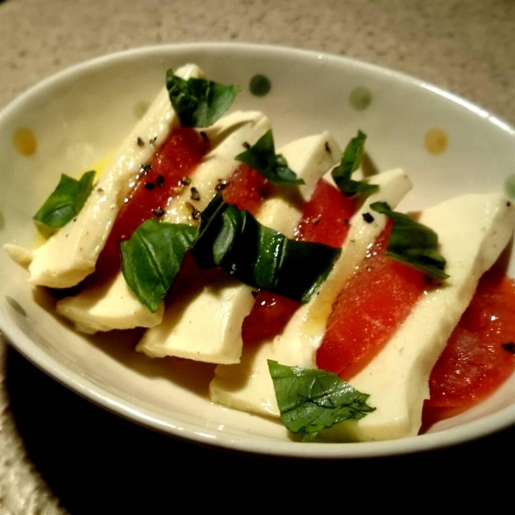 塩豆腐とトマトのカプレーゼ