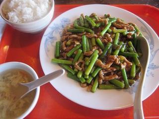 ニンニクの芽と豚肉の炒め