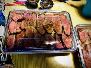 赤身肉ビーフステーキ丼