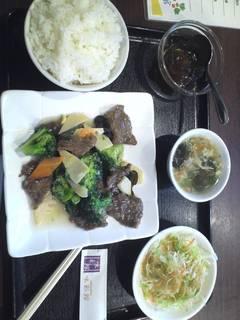 牛肉とブロッコリー炒め