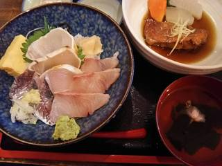 金目鯛の煮付けと海鮮丼の河津グルメセット