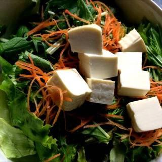 お豆腐のサラダ
