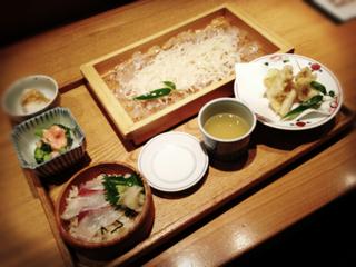 穴子と夏野菜の天婦羅 稲庭うどん 平政の桶寿司付