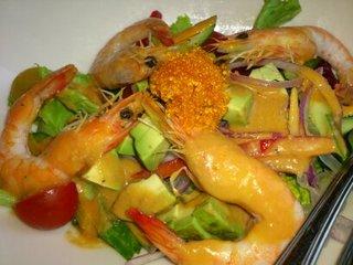 海老・フルーツトマト・アボカドのサラダ