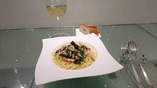 ベーコンと菊菜のペペロンチーノ