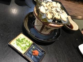 生牡蠣の炭火焼き