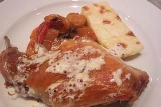 イタリア産ウサギもも肉のコンフィ
