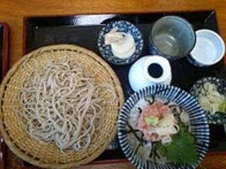 ネギトロ丼ともり蕎麦セット