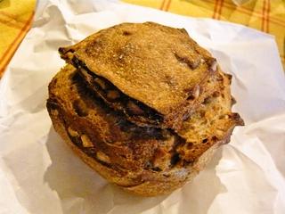 くるみとゴルゴンゾーラのパン