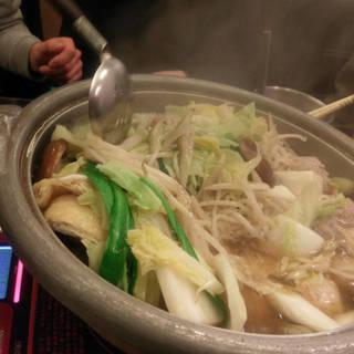 秘伝スープが旨い宮崎地鶏鍋