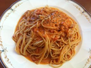 ツナとトマトのクリームパスタ