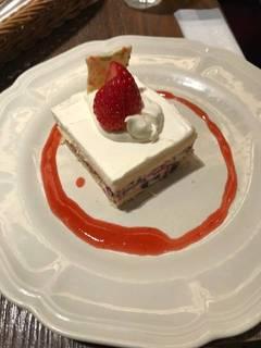 フレッシュ苺のショートケーキ