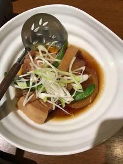 豚角煮と冬大根の炊き合せ