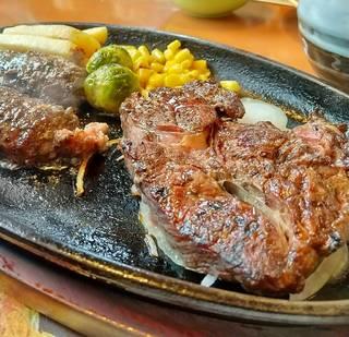 粗挽ビーフハンバーグ&リブロースステーキ