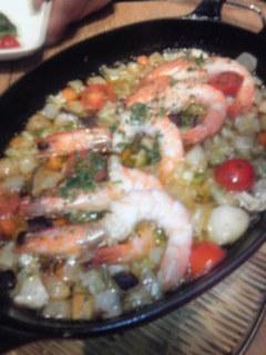 海老と野菜のアヒージョ