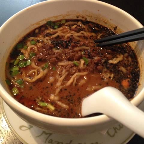 黒ごまタンタン麺