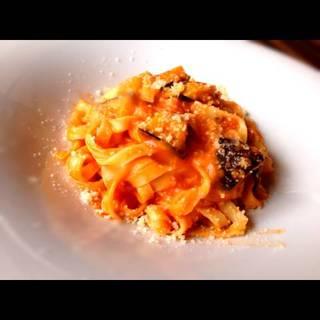 茄子とモッツァレラチーズのトマトソース