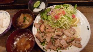 和豚ねぎ塩カルビ焼肉定食